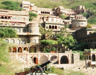 neemrana-fort-palace