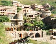 neemrana-fort-palace